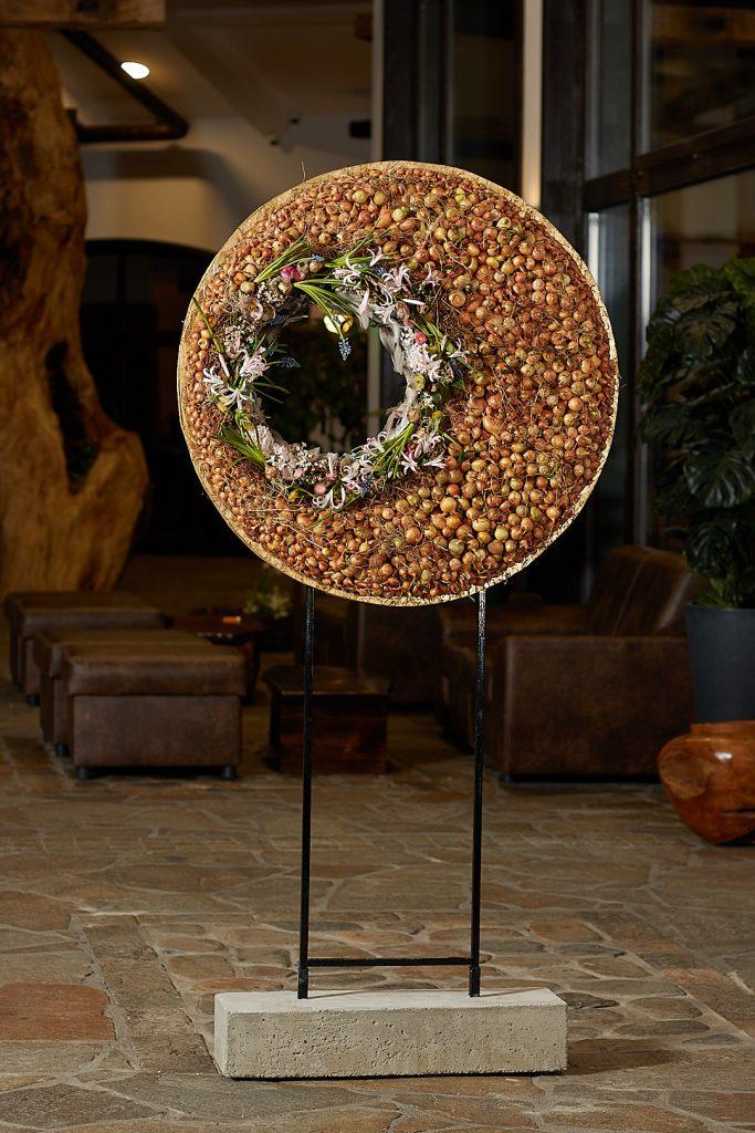 Floral Spring Circle from Radko Ivanov Chapov Floral Design 1