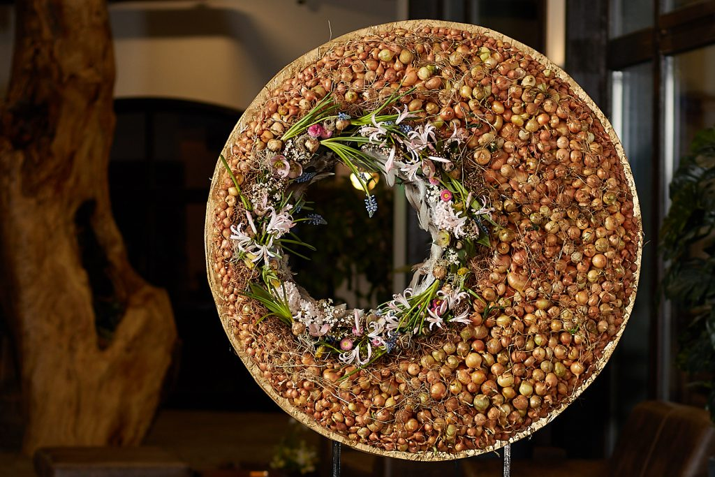 Floral Spring Circle from Radko Ivanov Chapov Floral Design 6